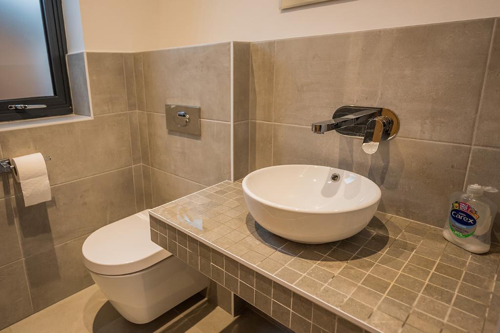 4 Bedroom Detached for Sale in Hale Barns, WA15 8PZ