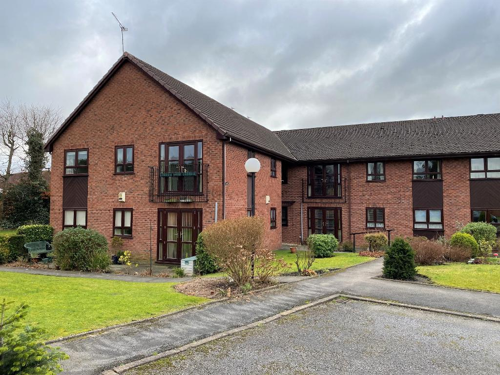 2 Bedroom Flat for Sale in Timperley, WA15 7PG