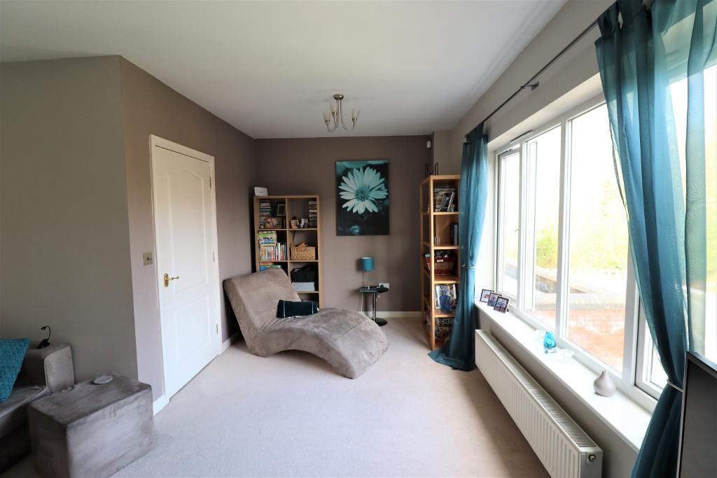 3 Bedroom Town house for Sale in Altrincham, WA15 8WE